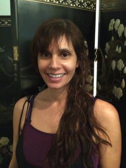 Eva Warren, CMT, RYT